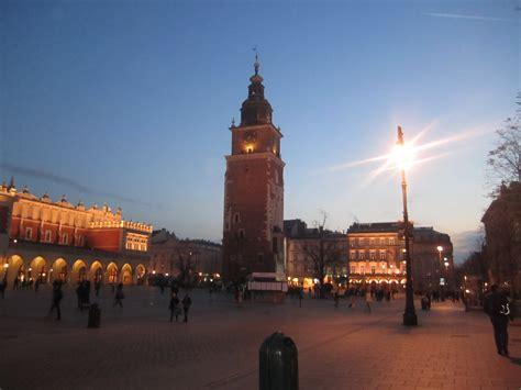 turisti per caso cracovia piazza mercato cracovia viaggi vacanze e turismo