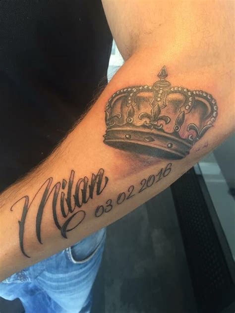 tattoo finger krone die besten 25 tattoo krone ideen auf pinterest tattoo