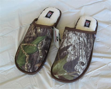 mens camo house slippers mens camo slippers house shoes size 10 slippers