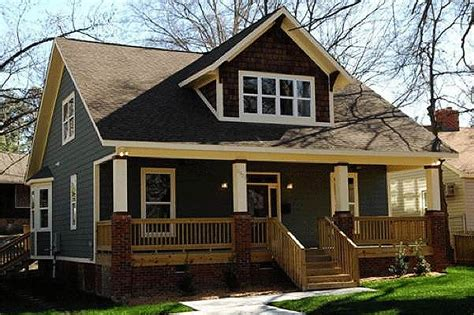 craftsman bungalow home with 3 bedrooms 2675 sq ft craftsman style house plan 3 beds 2 50 baths 1901 sq ft