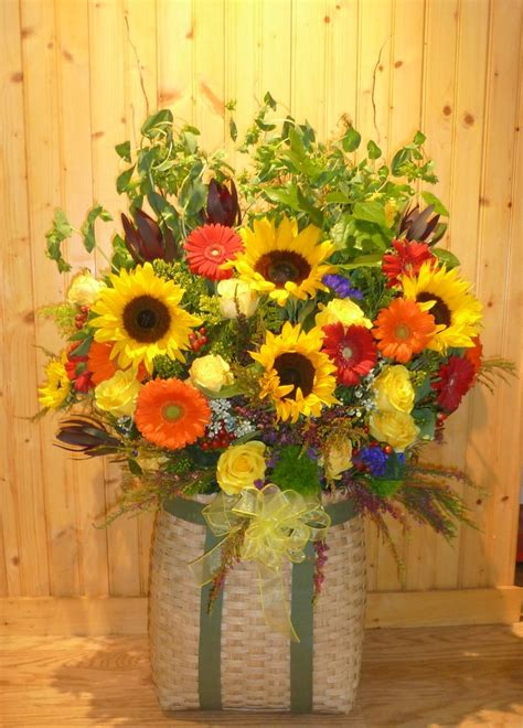 sunflower arrangements ideas 74 curated simple sunflower ideas by pedpet sunflower