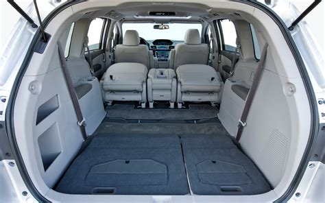 2011 Honda Odyssey Touring Cabin Space Photo #31137488
