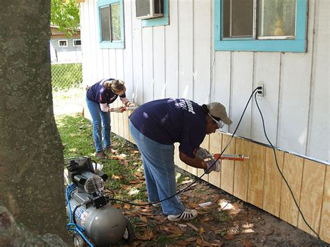 Garage Floor Paint Labor Cost Cost To Repair Siding Estimates And Prices At Fixr