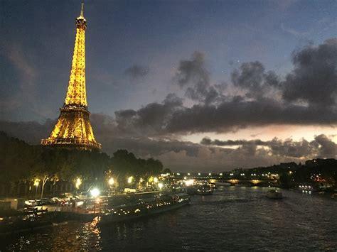 bateau mouche ou bateau parisien d 238 ner croisi 232 res bateaux 224 paris comment choisir