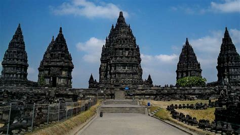 Di Indonesia Yogyakarta Temples Tour Vacation Bali Indonesia