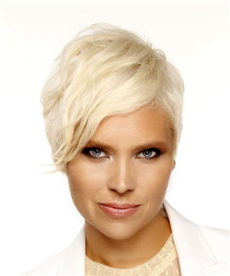 casual pixie hairstyles short straight casual pixie hairstyle with side swept