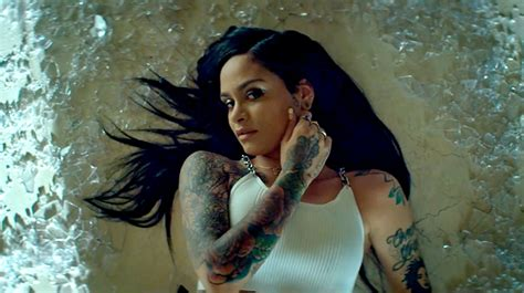 kehlani goes quot gangsta quot in new squad video
