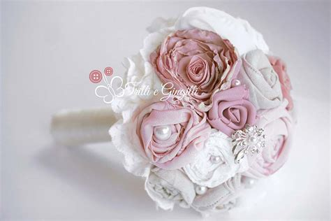 fiori con e bouquet sposa di stoffa e tessuto ecco i modelli pi 249