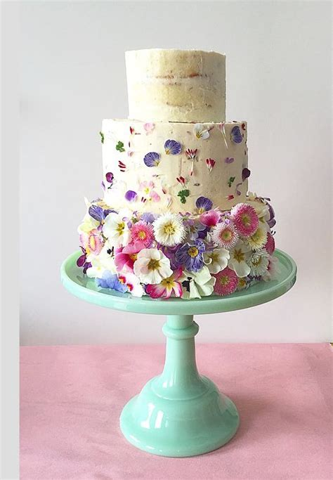 Wedding Cake Edible Flowers by 88 Best Edible Flowers For Wedding Cakes Images On
