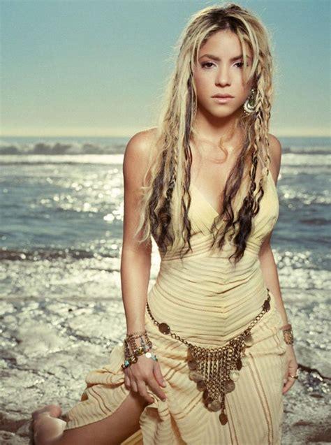 shakira shakira celebrities female fashion souls