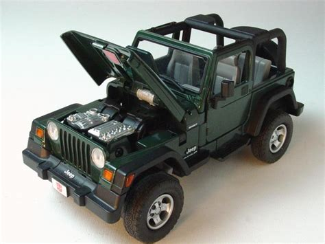 transformers jeep wrangler die cast pro engine transformers binal tech bt 04 scout