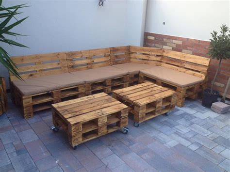Pallet Patio Furniture With Planters Pallet Ideas Pallet Furniture Patio