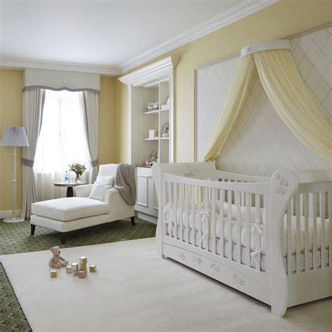 Suite Dreams Royal Baby Hotel Room Popsugar Moms Hotel Baby Crib