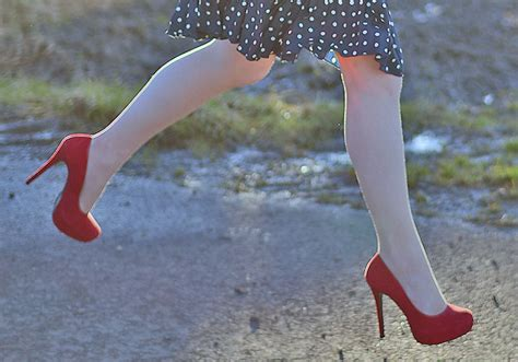 how to stop high heels from slipping how to stop shoes from slipping tips and tricks