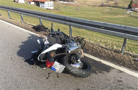 Motorradunfall B by B308 Oberstaufen Motorradfahrer 20 Muss Schwer