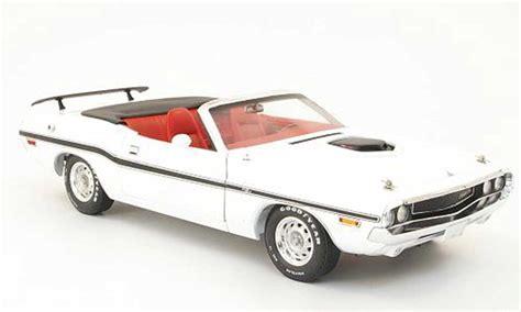 Greenlight 1970 Dodge Challenger R T White dodge challenger 1970 r t convertible white greenlight diecast model car 1 18 buy sell diecast