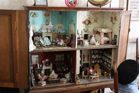 living   miniature world  dollhouses hannahs
