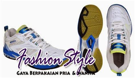 Sepatu Bulutangkis Merk Kawasaki daftar harga dan model sepatu badminton pria terkeren