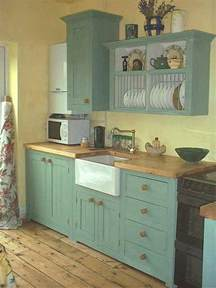 Small Country Kitchen Ideas by 25 Best Ideas About Small Country Kitchens On