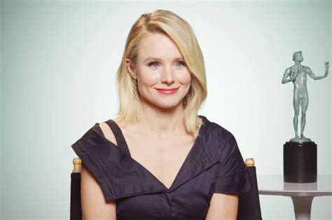 Kristen Bell Wears A by Kristen Bell Will Wear Black To Host 2018 Sag Awards