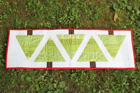 how many yards of fabric for table runner table runner 191 tree table runner quilt