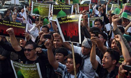 film indonesia muslim indonesian protesters say anti islam film declares war