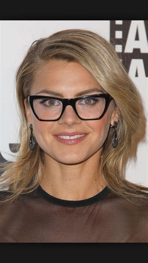 hairstyles suit glasses 1000 images about hairstyles for round face shapes on