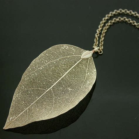 N07 Gold Pendant Necklace Leaf leaf necklace gold plated leaf pendant maxi chain vintage jewelry boho chic
