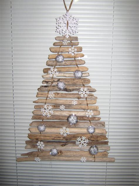 driftwood christmas tree door decoration by discountdriftwood