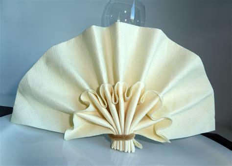Pliage Des Serviettes De Table