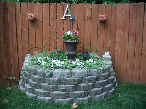 corner flower bed ideas 1000 ideas about corner flower bed on pinterest
