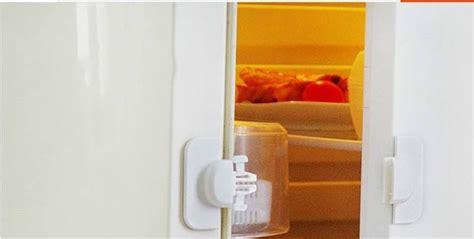 Kulkas 2 Pintu Dengan Kunci kunci pintu tambahan pengunci pintu serbaguna untuk menjaga anak anda saat bermain harga