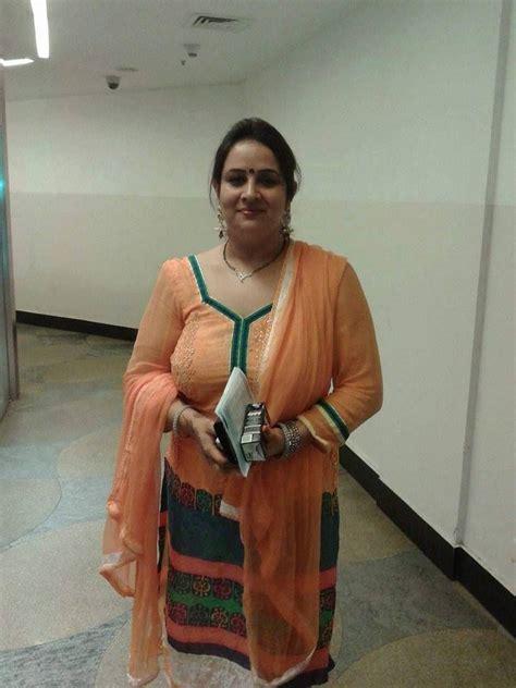 Gorgeous Indian Saree Aunties Fucking Hot Porno