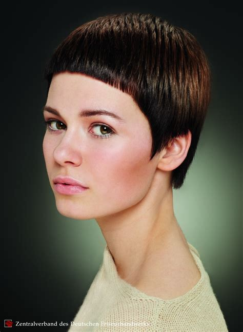 short haircut  dramatically short bangs garcon