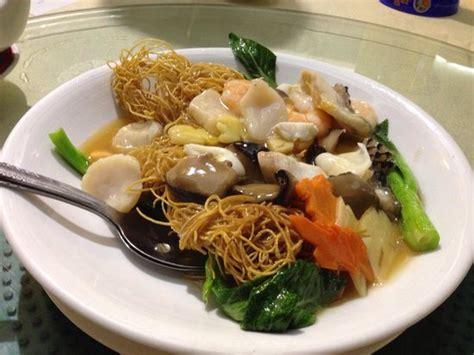 Crispy Seafood Deli 1 Kg seafood crispy noodles picture of yan palace restaurant singapore tripadvisor