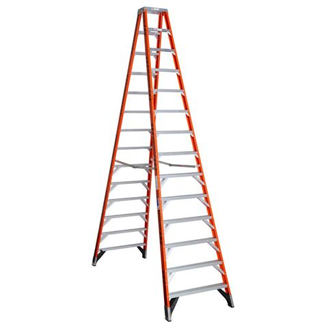 werner 16 ft fiberglass step ladder with 300 lb