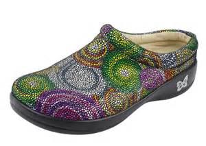 most comfortable nursing scrubs nursing shoes most comfortable shoes for yourstyles