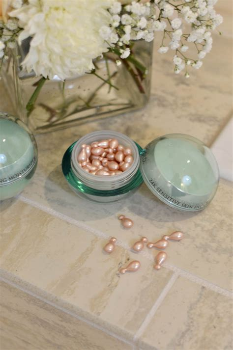 Serum Moment fall skincare with orogold serums eye a