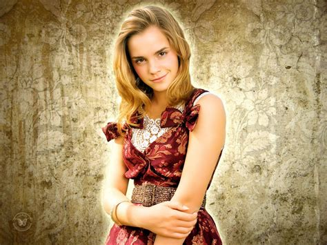emma watson wallpapers hd hollywood emma watson hd wallpapers 2012