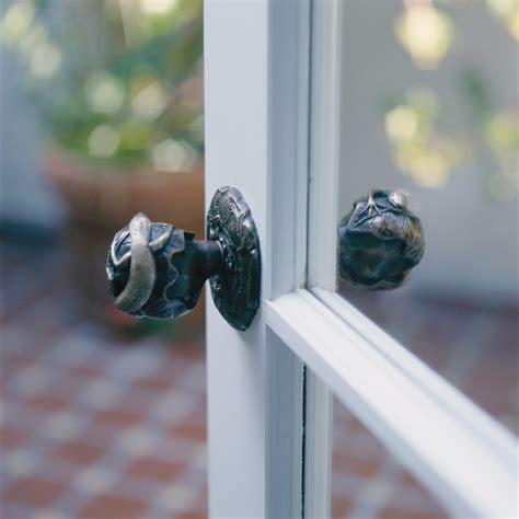 Animal Door Knobs by Door Knobs Animal Themes Tropical Doorknobs Los
