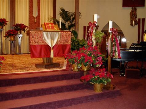 Wedding in Church: Church decor ideas for Christmas