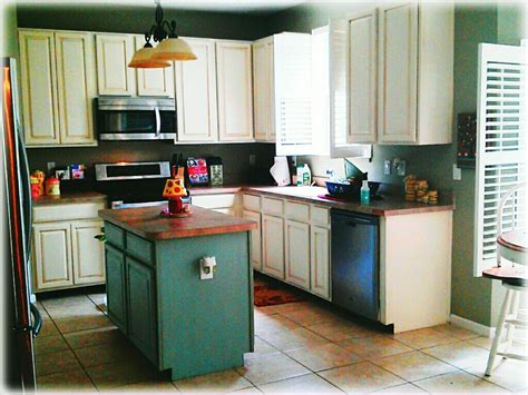 annie sloan paint kitchen cabinets kitchen cabinet makeover with annie sloan chalk paint