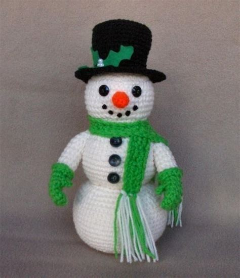 patterns christmas snowman holiday snowman by wolfdreamer crocheting pattern