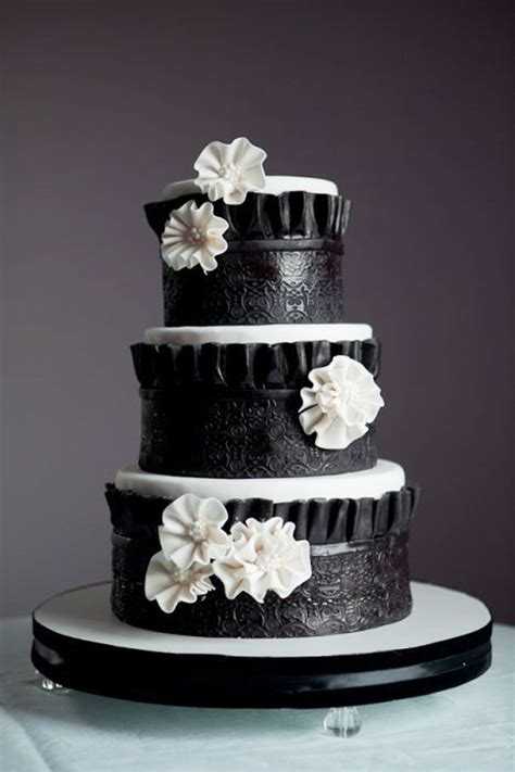 Link Black And White Chocolate Cake by Black White Wedding Cake Decoration Wedding Cake Cake