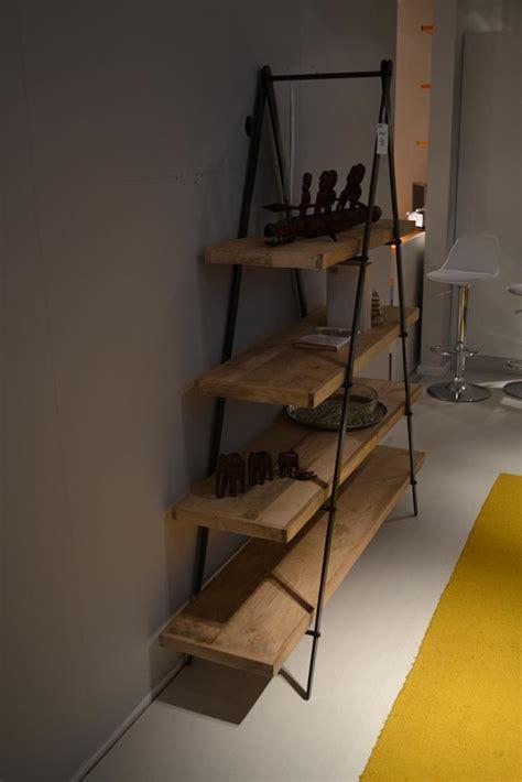 libreria in ferro battuto libreria con struttura in ferro battuto e ripiani in legno