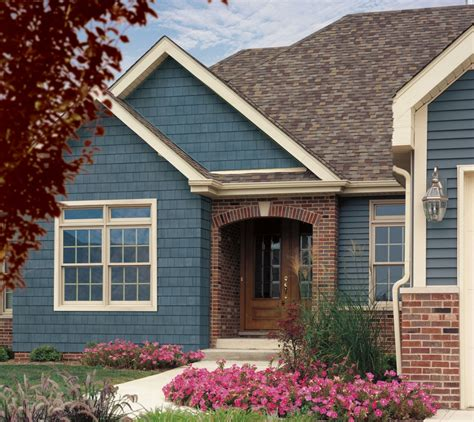 exterior excellent house with painting vinyl siding with