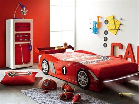 deco chambre enfant voiture chambre garcon lit voiture chambre enfants room