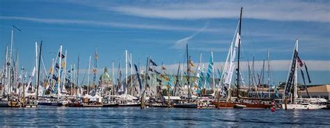annapolis in water power boat show crowds6 atlantic cruising yachts llc