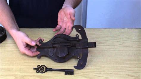 come aprire una porta chiusa senza chiave 187 come aprire una serratura antica