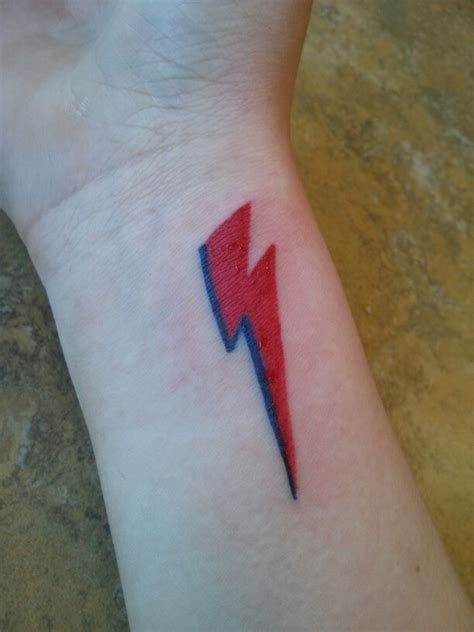 david bowie lightning bolt tattoo ziggy stardust